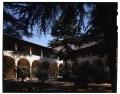 [Veduta del chiostro del Convento delle suore oblate francescane ospitaliere di Santa Maria Nuova (ex convento)]