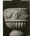 vaso: motivi decorativi vegetali con baccellature