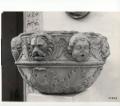 bacile: motivi decorativi vegetali con leoni e cherubini